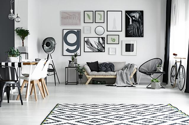 Gallery_Wall_Apartment.jpg