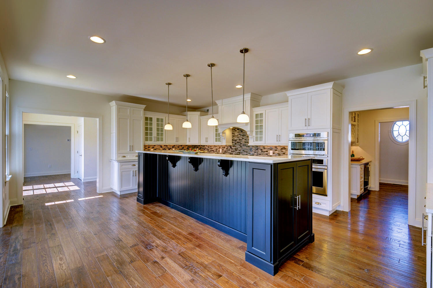 The Somerset-large-041-31-Kitchen-1500x997-72dpi