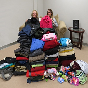 Coat-drive-helps-NJ-locals-stay-warm2.jpg