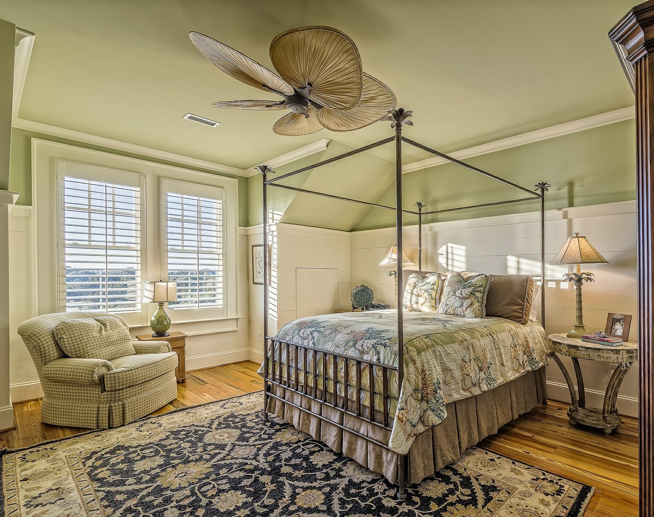 bedroom-389254_1280.jpg