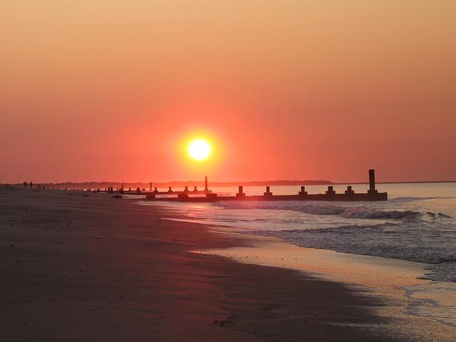 sunrise-265664_640.jpg